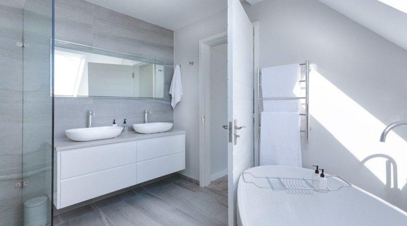 Baño blanco bonito en bañoweb